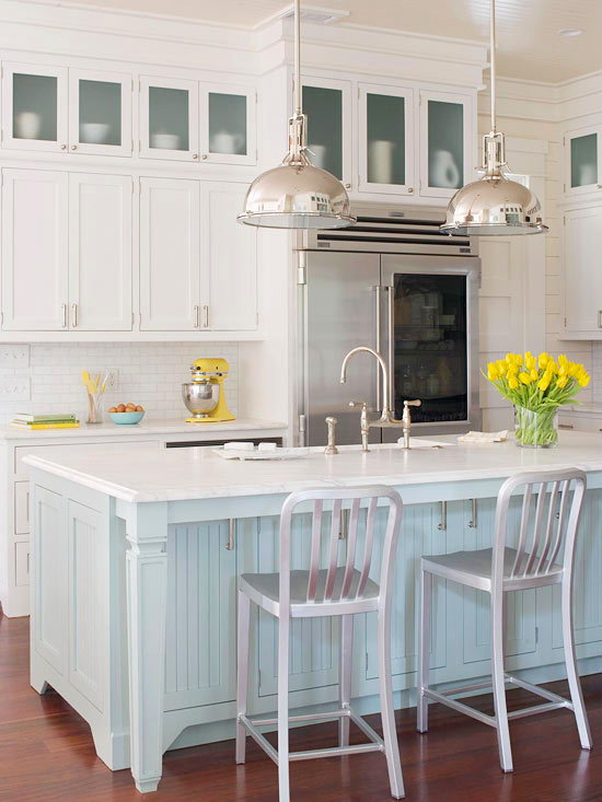 Coastal Blue Beach Style Kitchen Design with Island