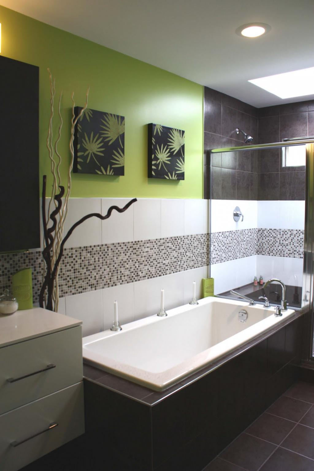 Green and White Modern Small Bathroom Design