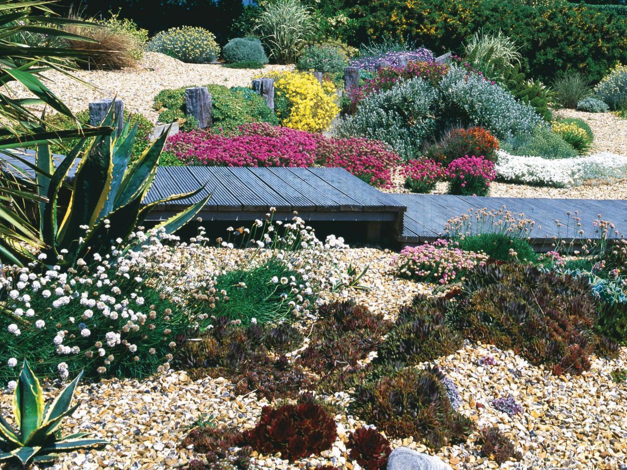 Garden Design Ideas By The Sea: 25 Beach Style Outdoor Design Ideas