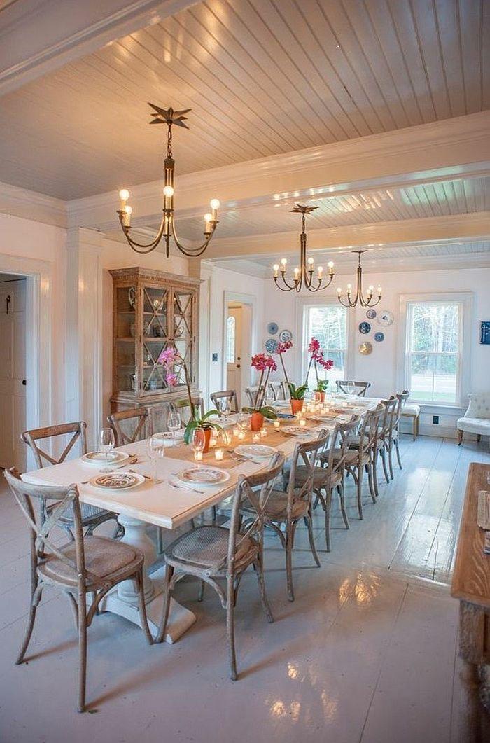 Cheerful Farmhouse Dining Room Design