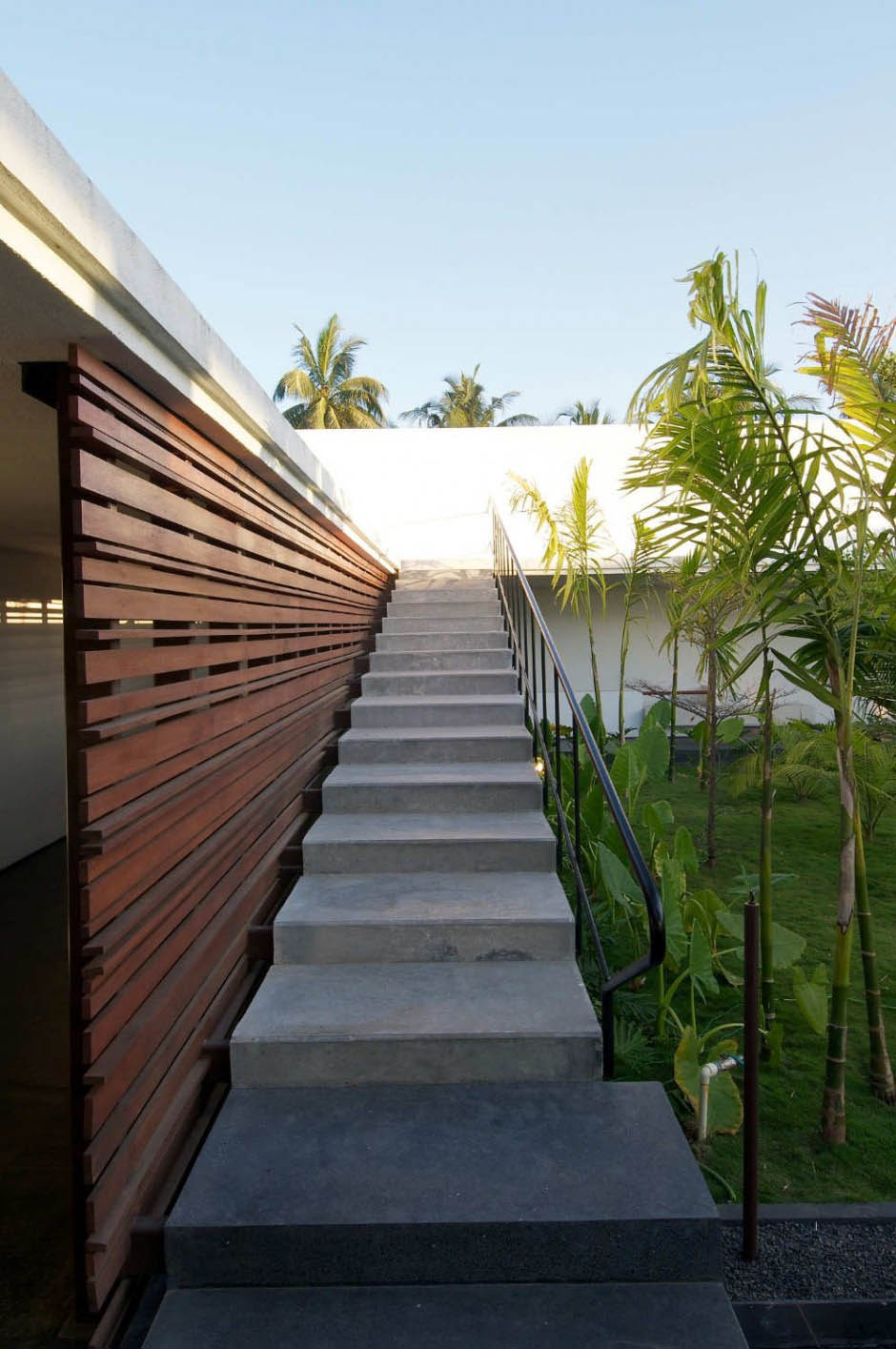 Contemporary Outdoor Stair Design