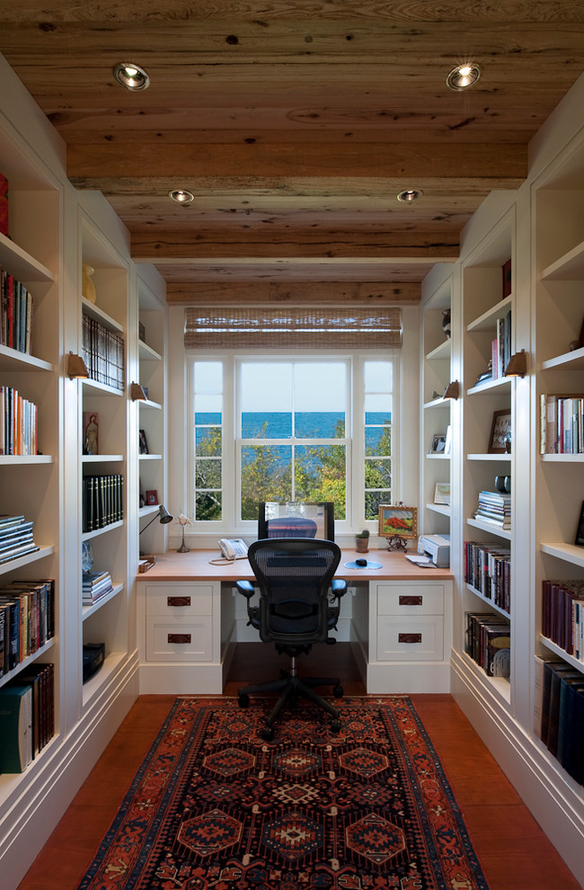 Delightful Traditional Home Office Design