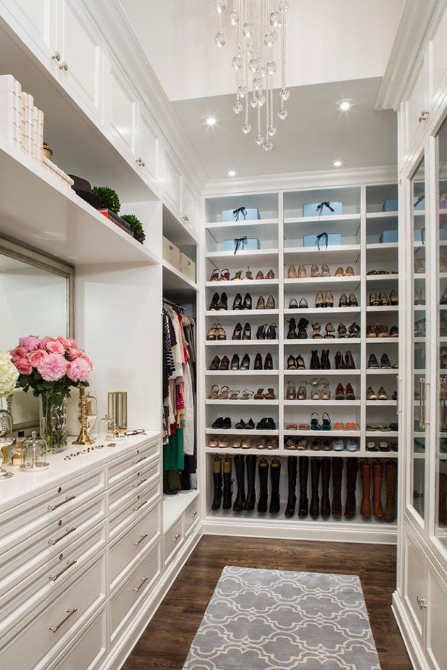 Elegant Traditional Closet Design