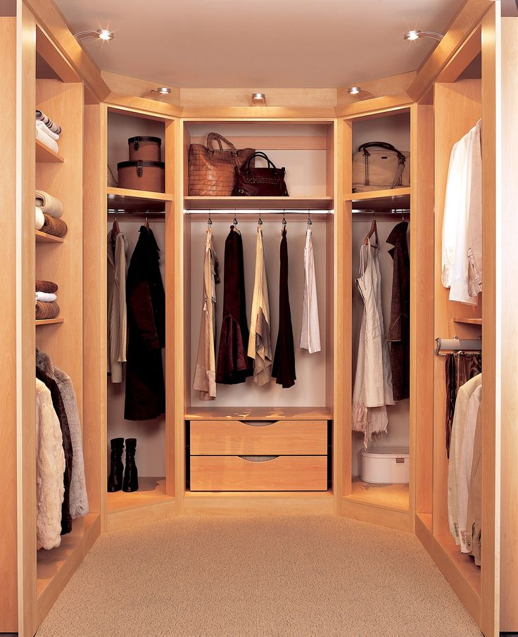 Layers Tropical Closet Design