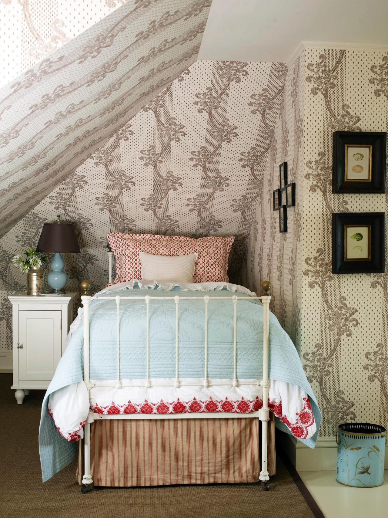 Fashion Inspired Guest Room: 25 Shabby-Chic Style Bedroom Design Ideas