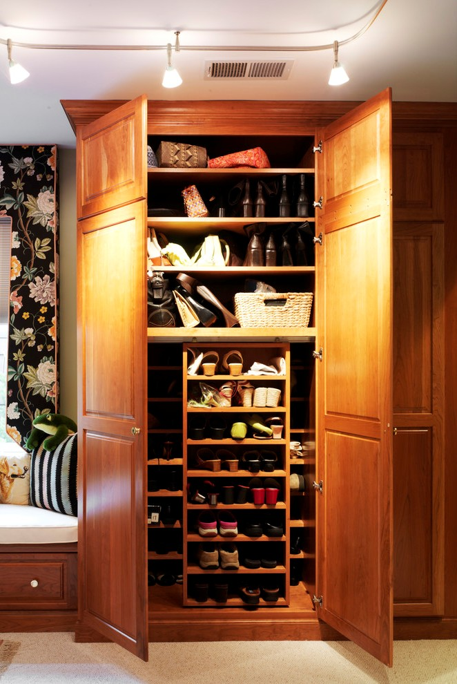 Terrific Farmhouse Closet Design