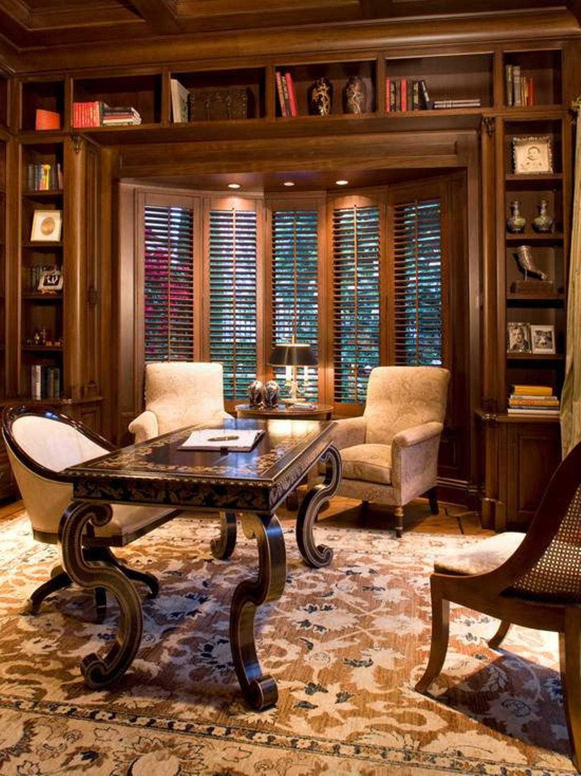 Traditional Home Office Design With Arm Chairs