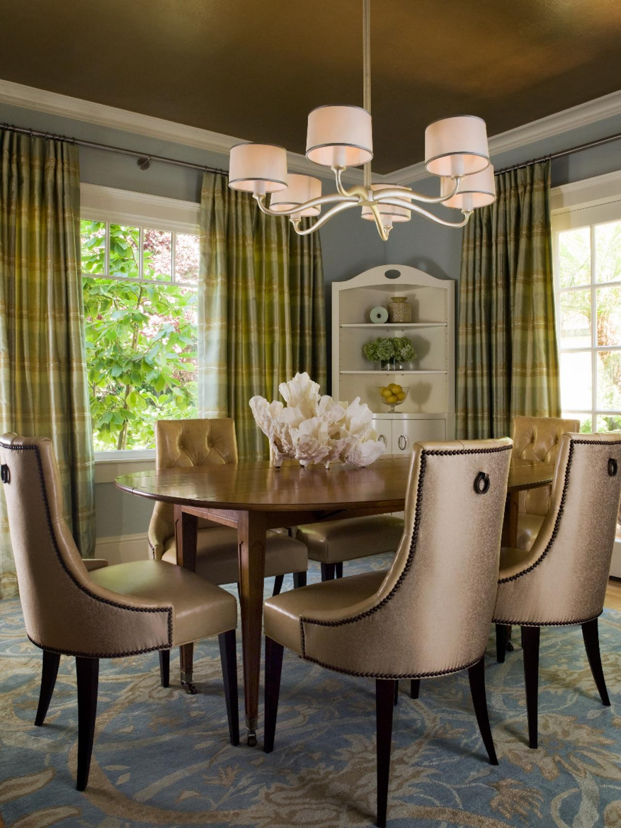 Transitional Dining Room Design with Blue Ceiling