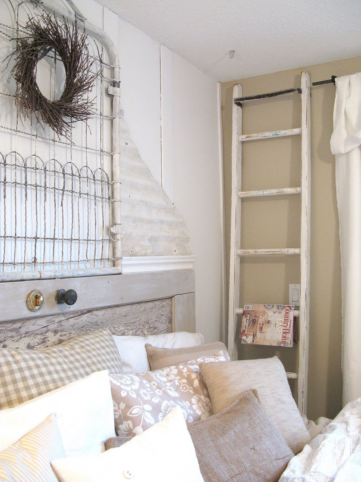 Womens Shabby-Chic Style Bedroom Design