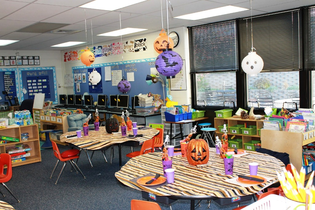 Amazing Classroom Halloween Decorations