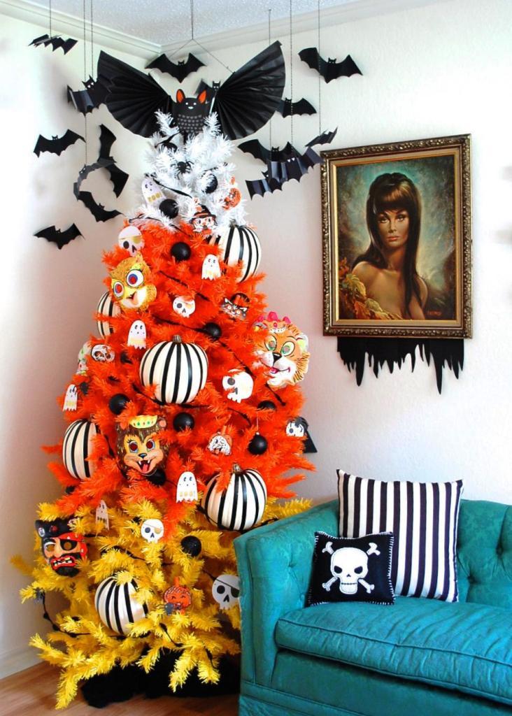 Beautiful Halloween Tree Decorations.