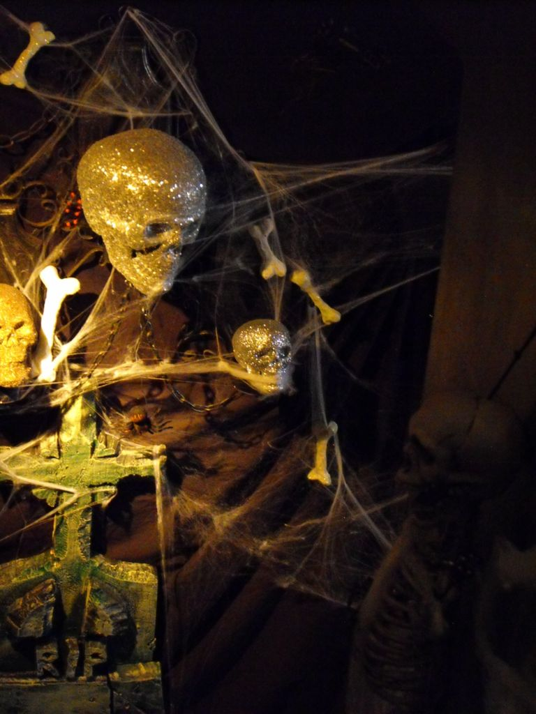 Cool Creepy Halloween Decoration