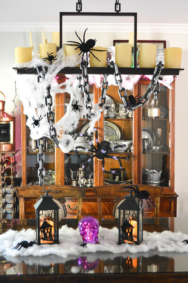 Creepy Halloween Room Decorations