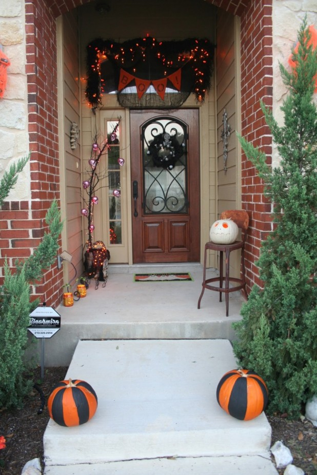 Easy Halloween Door Decorations