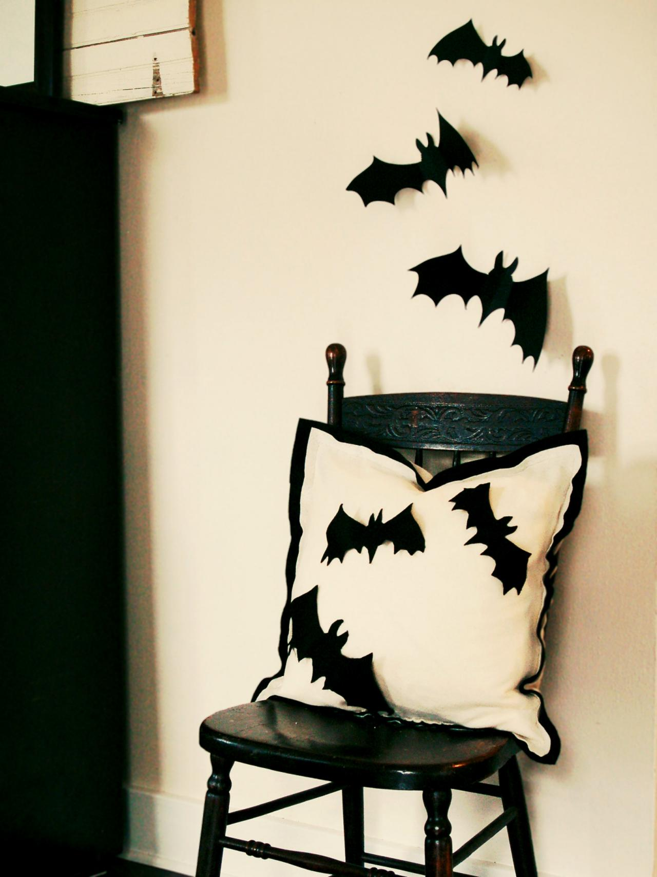 Felt Bat Pillow Printables Halloween Decorations