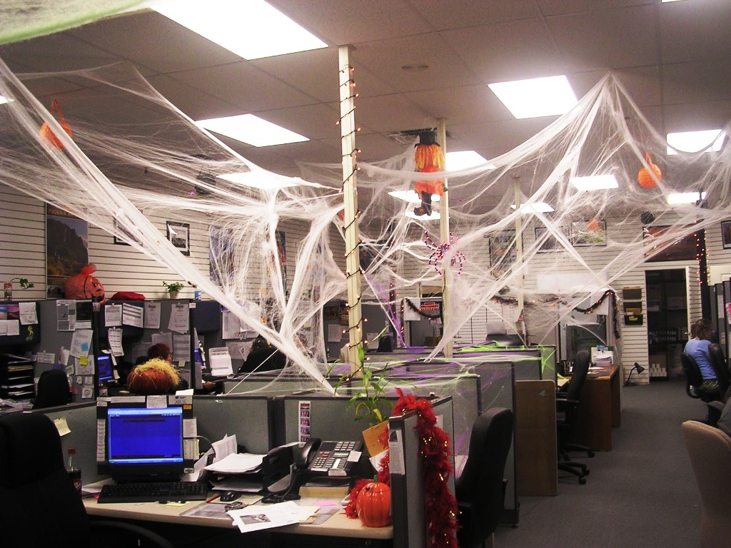 18 Halloween Decorations for Work Ideas