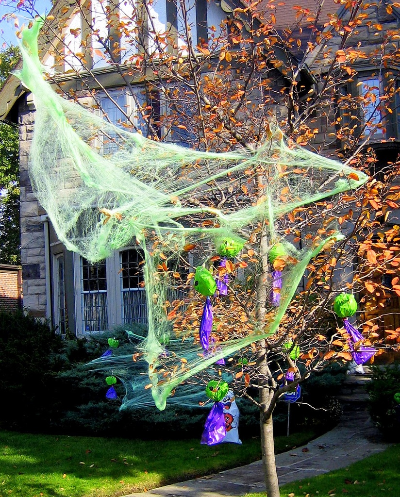 Great Halloween Tree Decorations