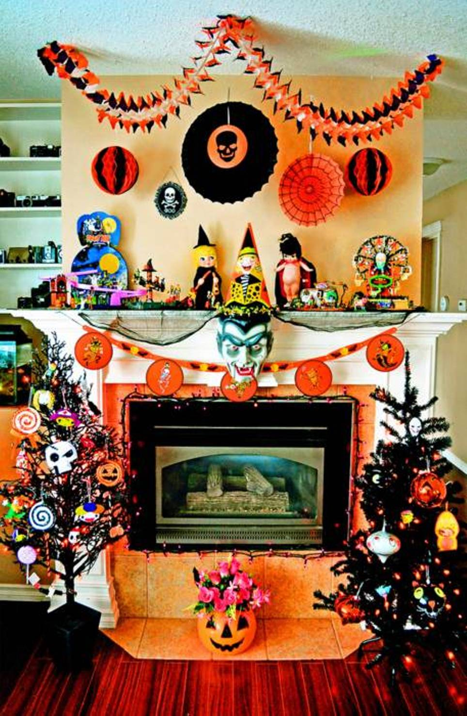 Halloween Mantel Decor With Halloween Toys