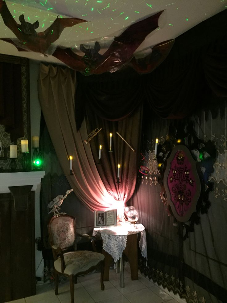 Haunted mansion House Halloween Decorations