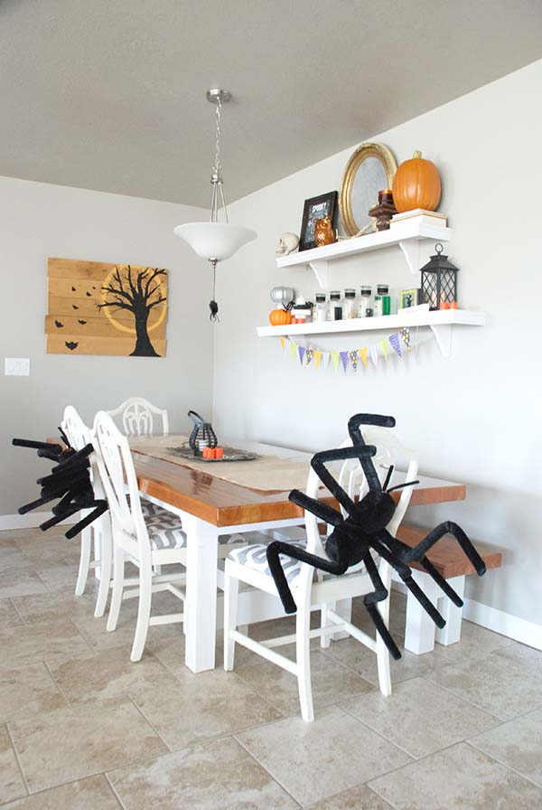 Modern Dining Room Halloween Decorations