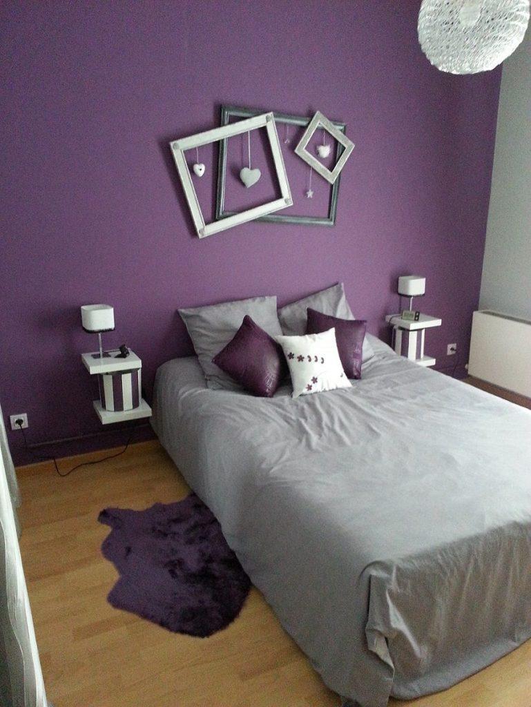 Small Bedroom Decor Ideas With Aubergine Purple Paint Color