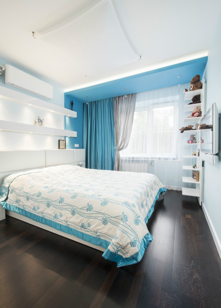 Accent Color Bedroom with Blue
