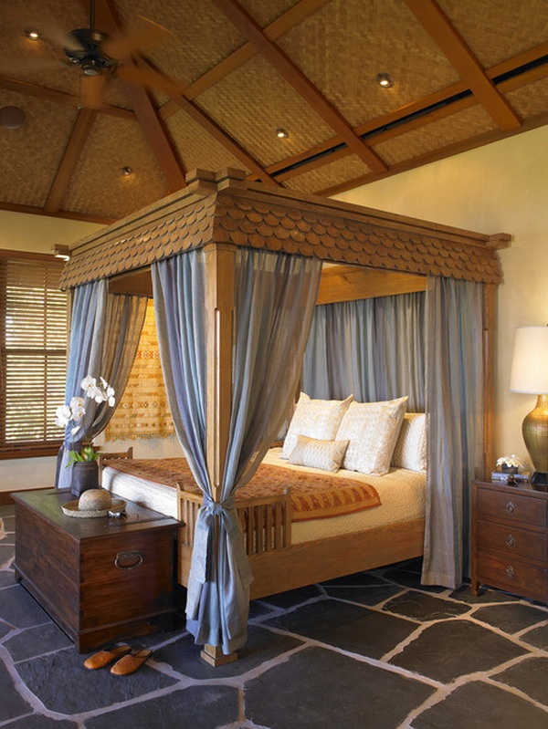 Bedroom with Canopy Bed