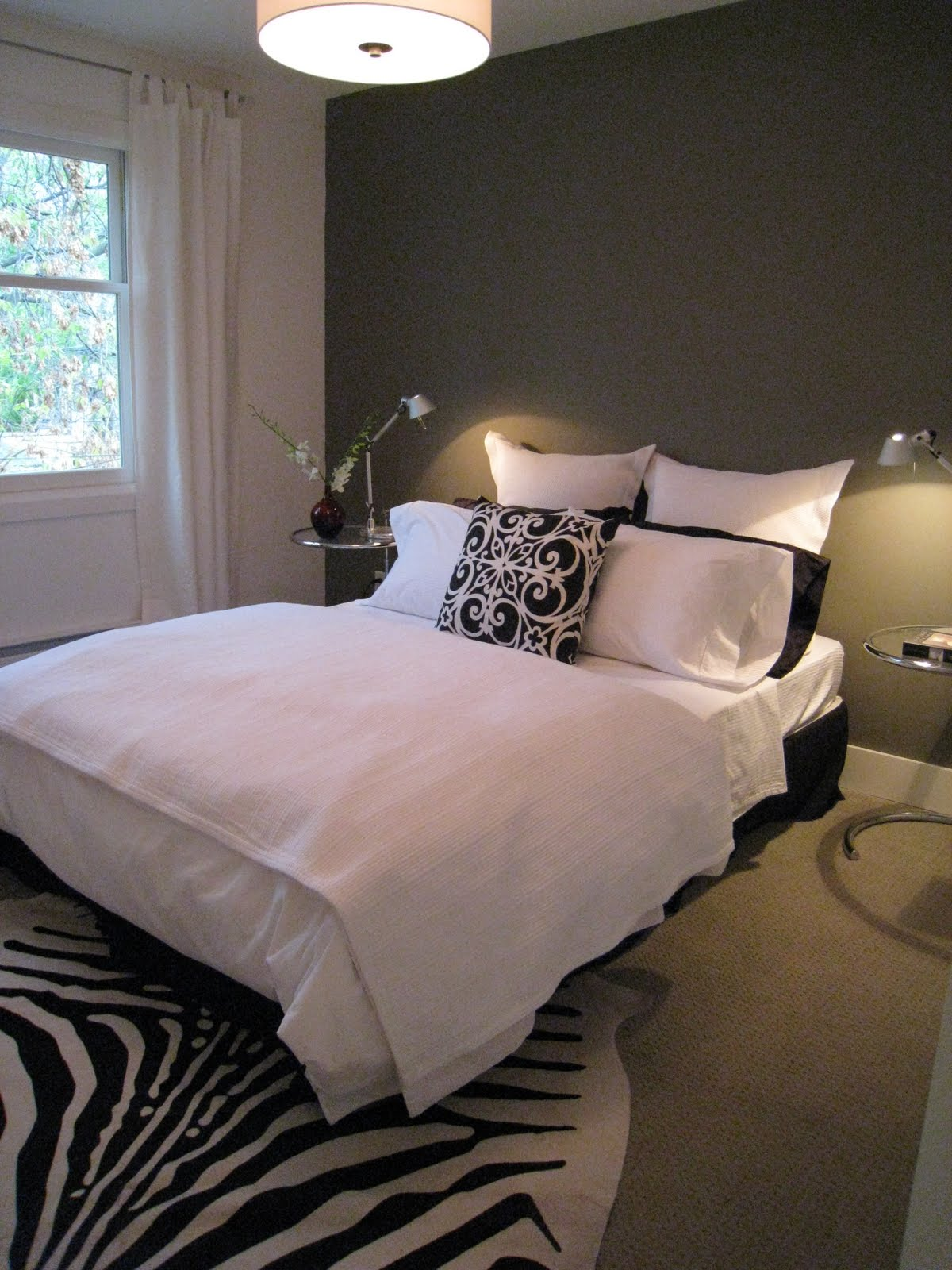 Gray-Accent-Wall-Bedroom Gray Dining Room With Beige Kitchen Decorating Ideas on beige dining room curtains, christmas table decorating ideas, beige christmas tree decorating ideas, dining room ceiling design ideas, beige living rooms, beige kitchen ideas, beige bathrooms, beige bedroom decorating ideas,
