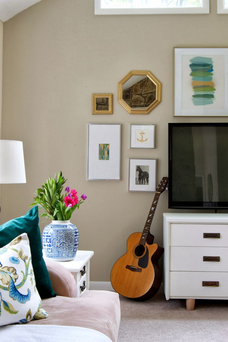 How to decorate tv wall for Decorating living room walls on a budget