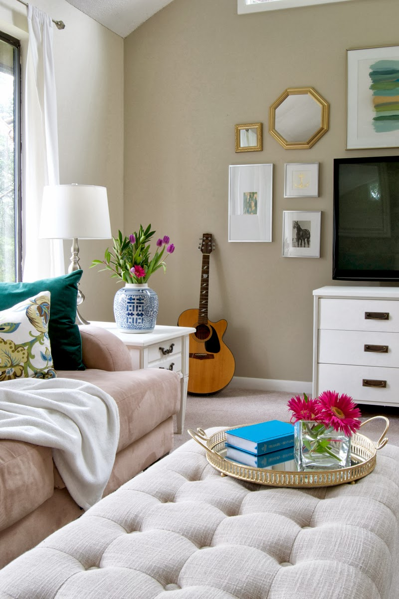Living Room Decorating On a Budget
