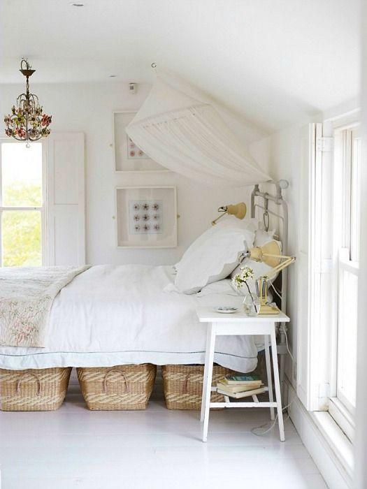 Under Bed Baskets Country Bedroom Design