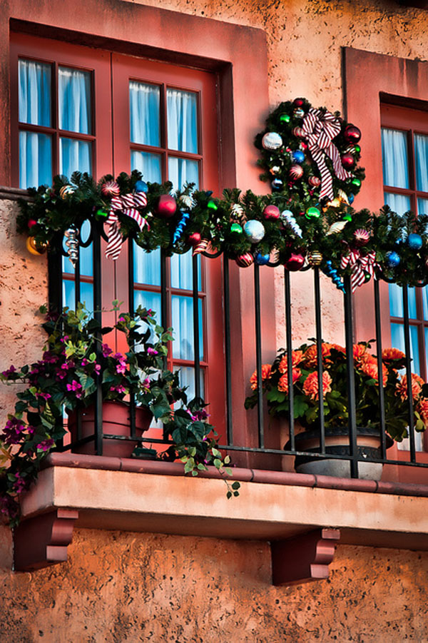 Christmas Balcony Decorating Ideas