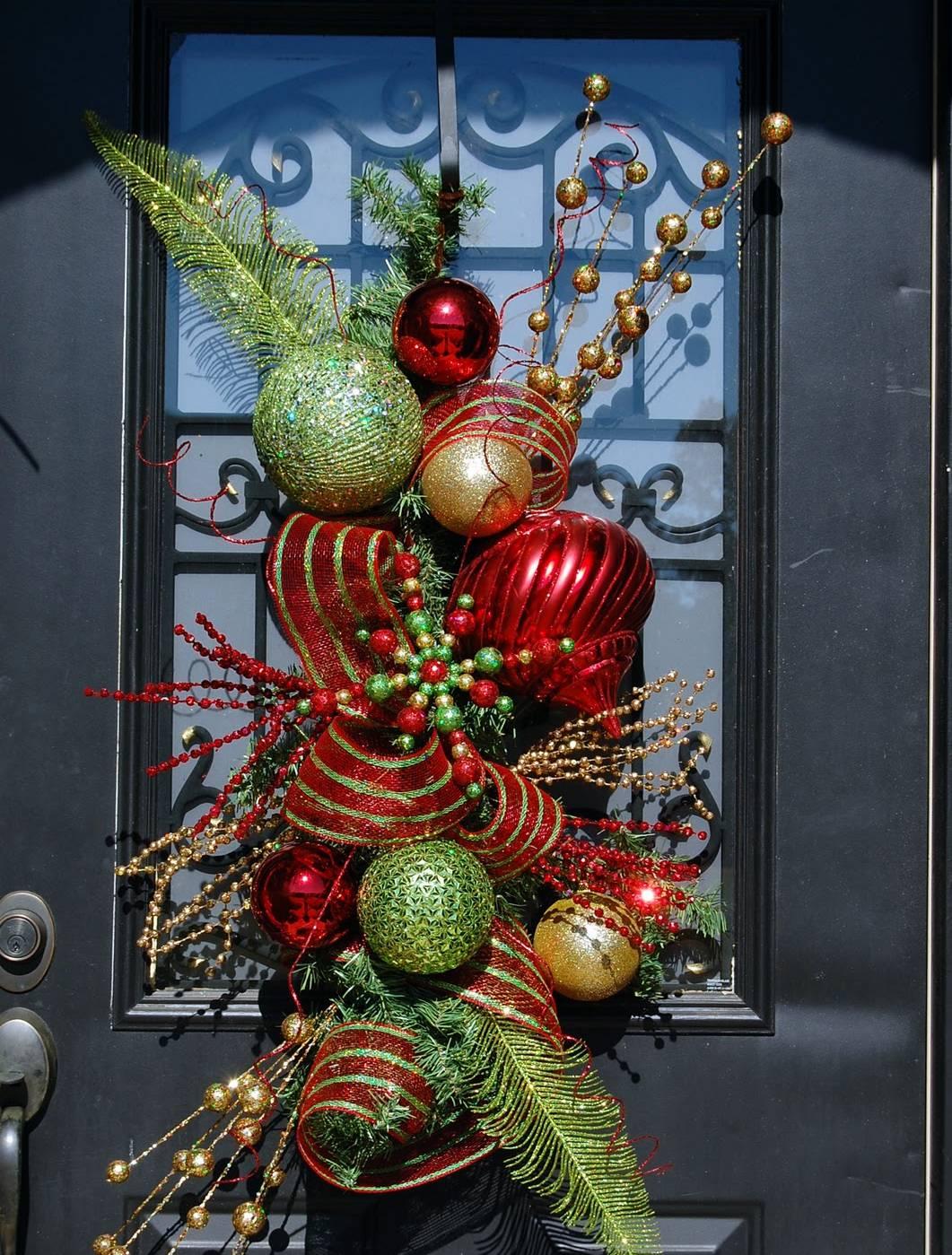 Christmas Door Decorating Ideas 2016