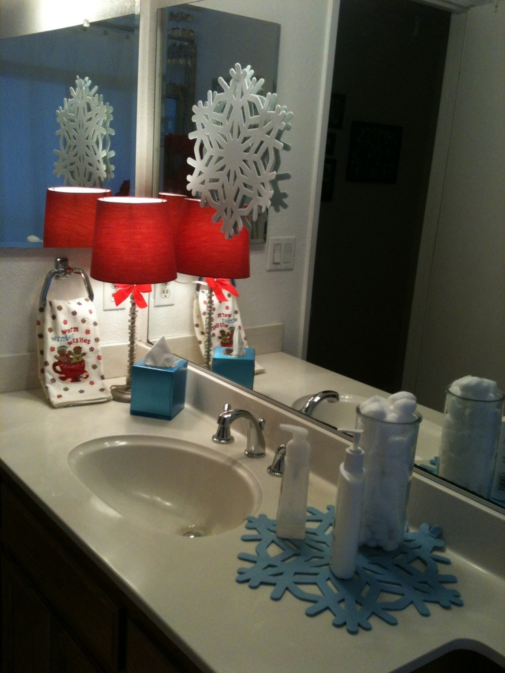 Christmas Holiday Bathroom Decor Ideas