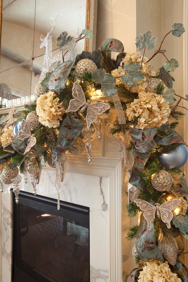 Christmas Mantel Decorating Ideas with Garland