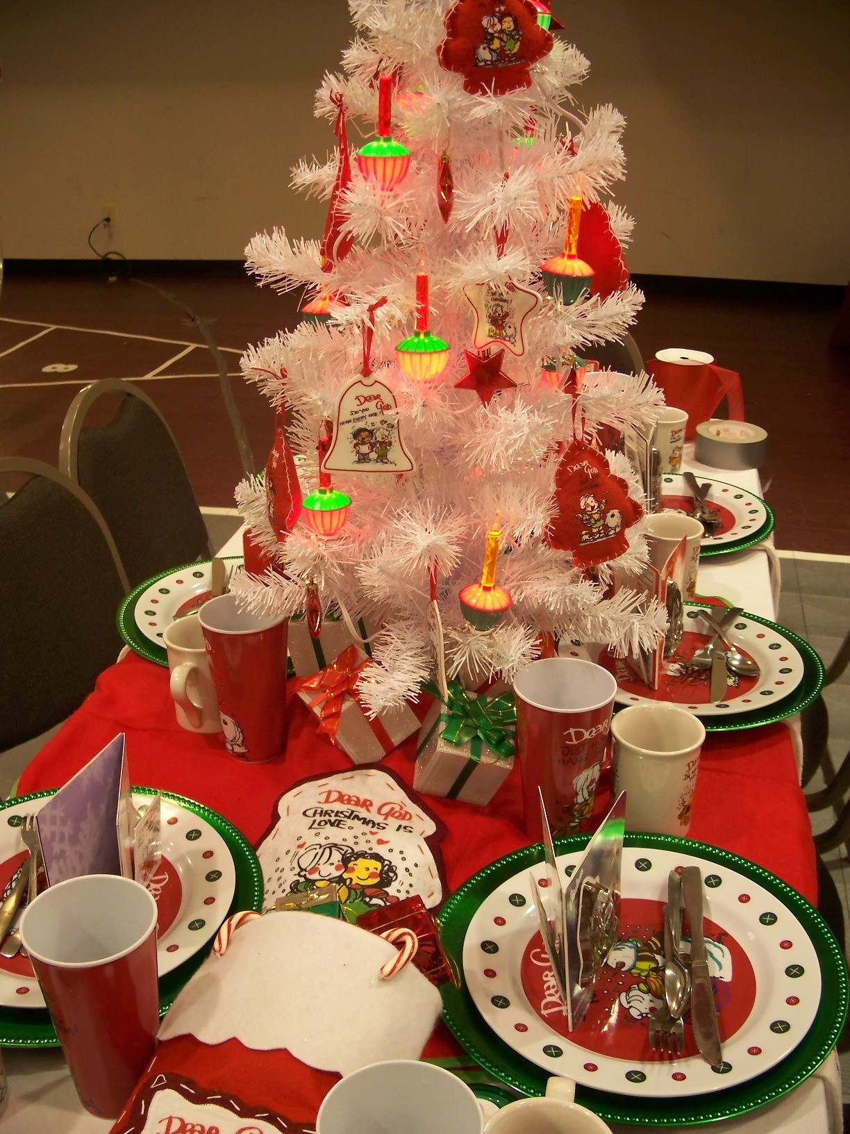 Surprising 50 Christmas Centerpiece Decorations Ideas For This Year Download Free Architecture Designs Aeocymadebymaigaardcom