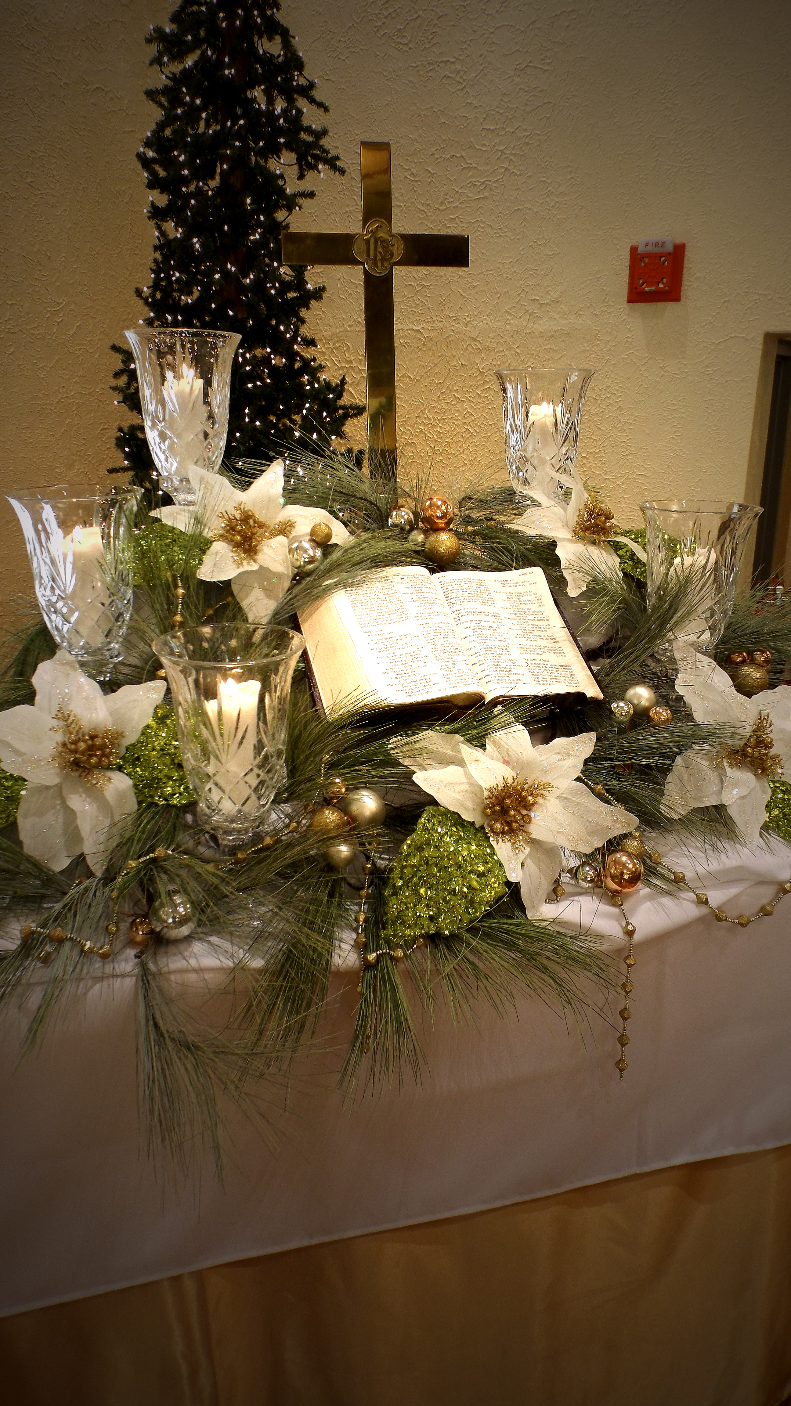 Church Altar Christmas Decorations