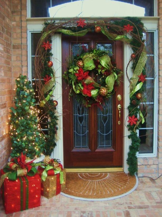 Cool Front Door Christmas Decorating Ideas