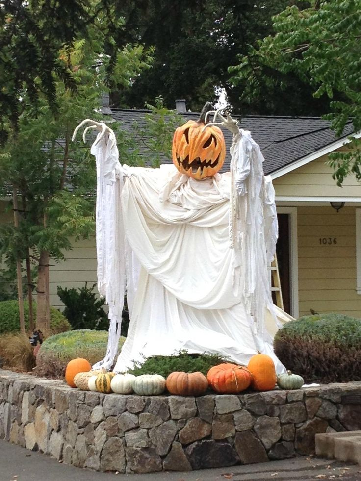Ghost Halloween Pumpkin Decorating Idea