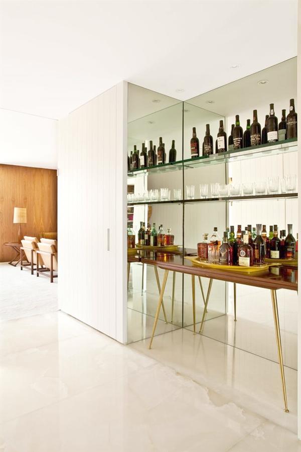 Lovely Home Bar Design