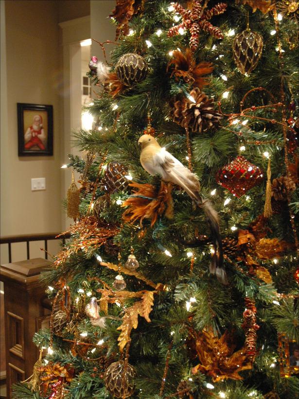 Natural Christmas Tree Decorating Ideas