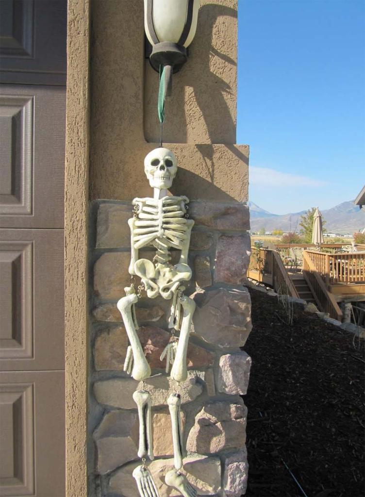 Perfect Skeletons Outdoor Halloween Decorations
