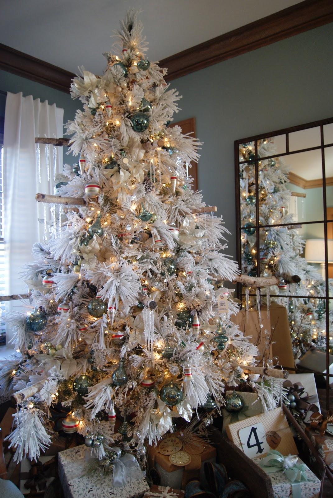 White Flocked Christmas Tree Decorating Ideas