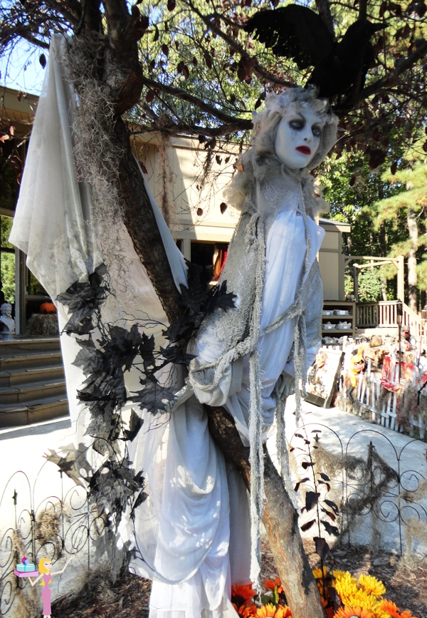 Woman ghost tree halloween decor