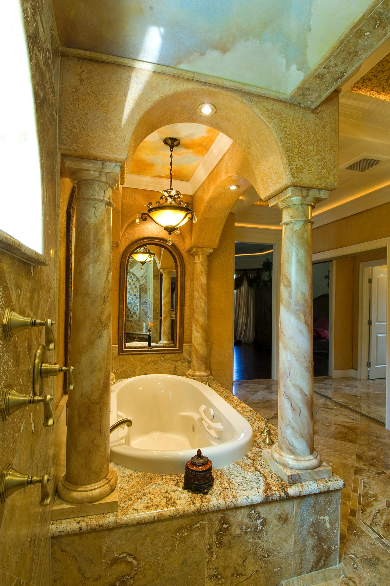 bathrooms-with-tuscan-columns