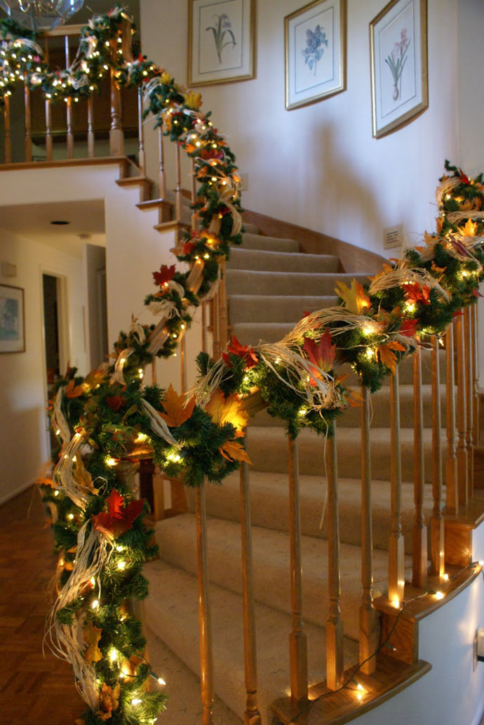 Christmas Staircase Decorations Ideas