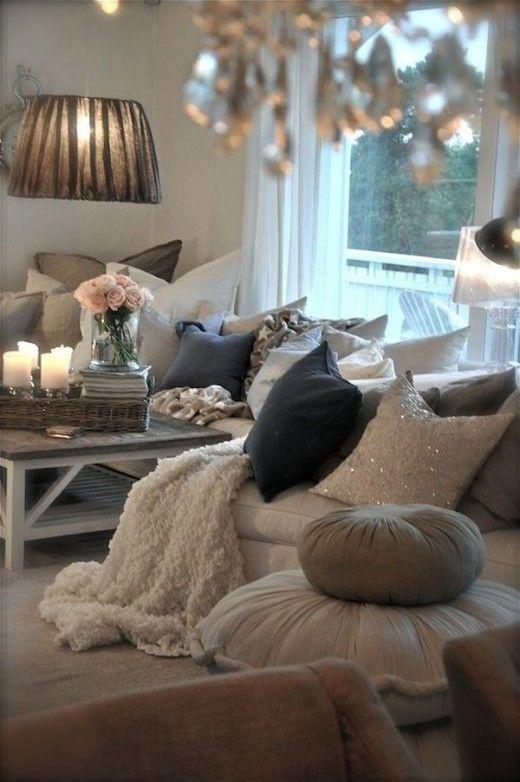 cozy-romantic-living-room