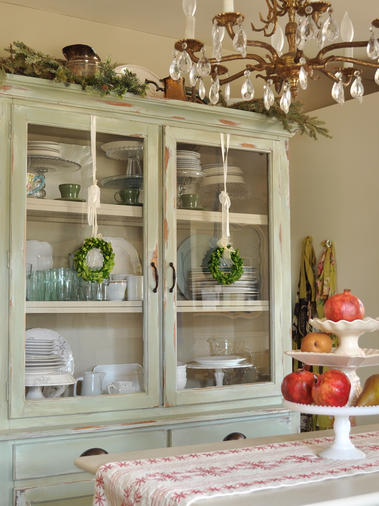 25 kitchen christmas decorations ideas for this year - Kitchen decorating ideas themes ...