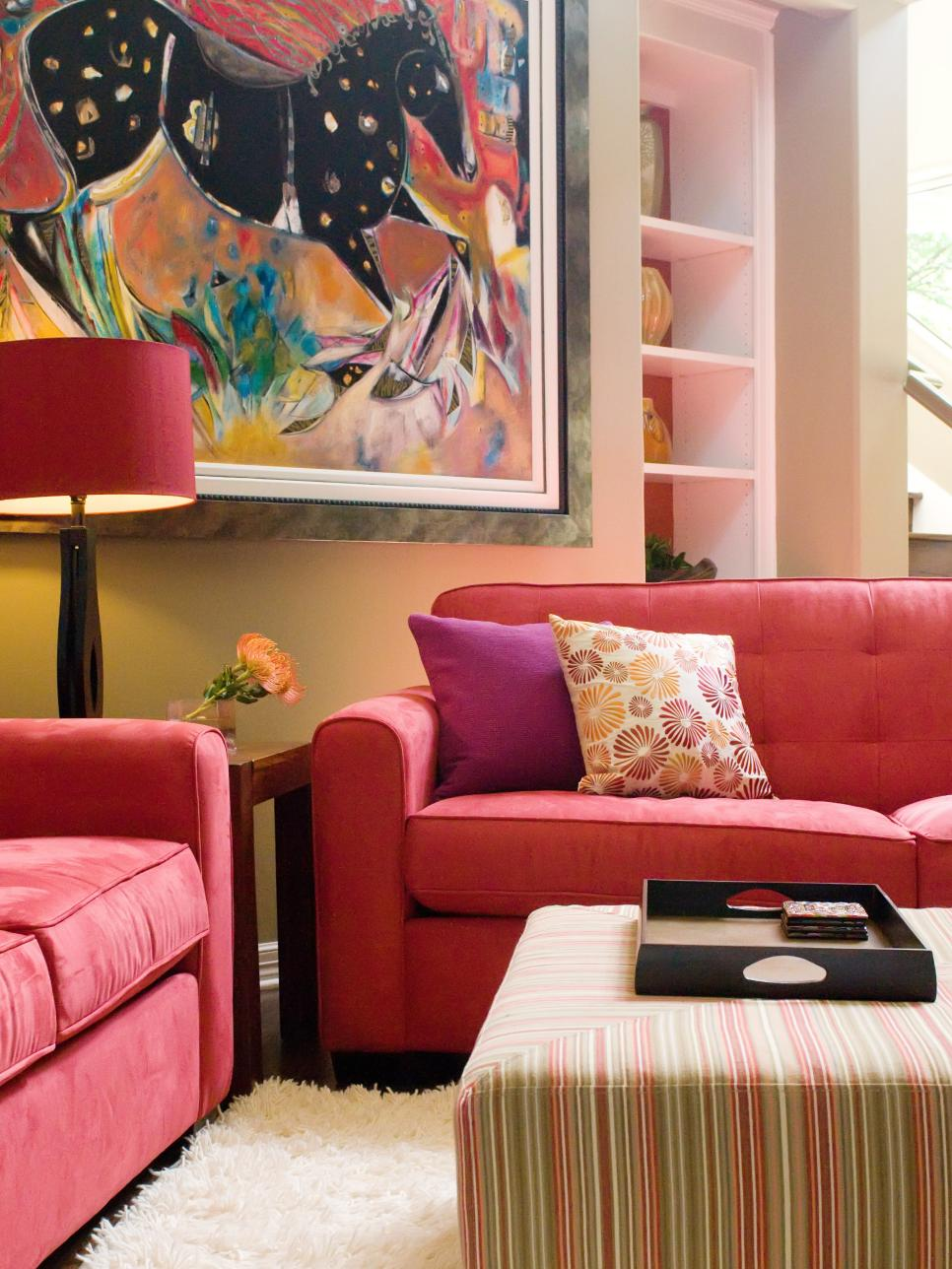 decorating-a-living-room-with-a-red-sofa