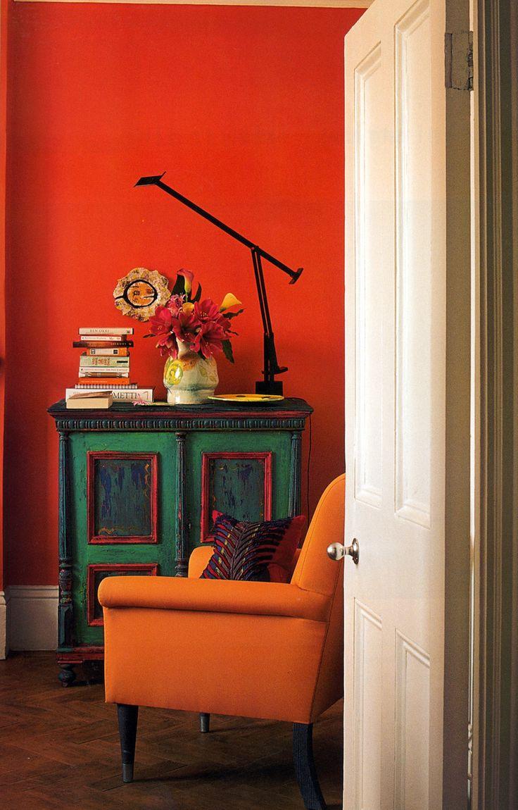 emerald-green-and-orange-living-room